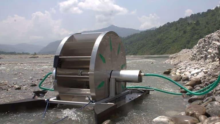 Máy bơm nước chạy bằng sức nước
